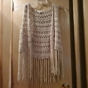 Umgee Crochet Fringe Vest off-white small preowned